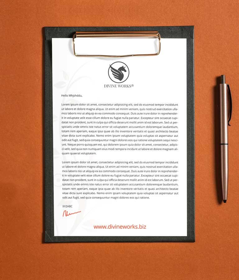 Letterhead On Clipboard Mockup PSD